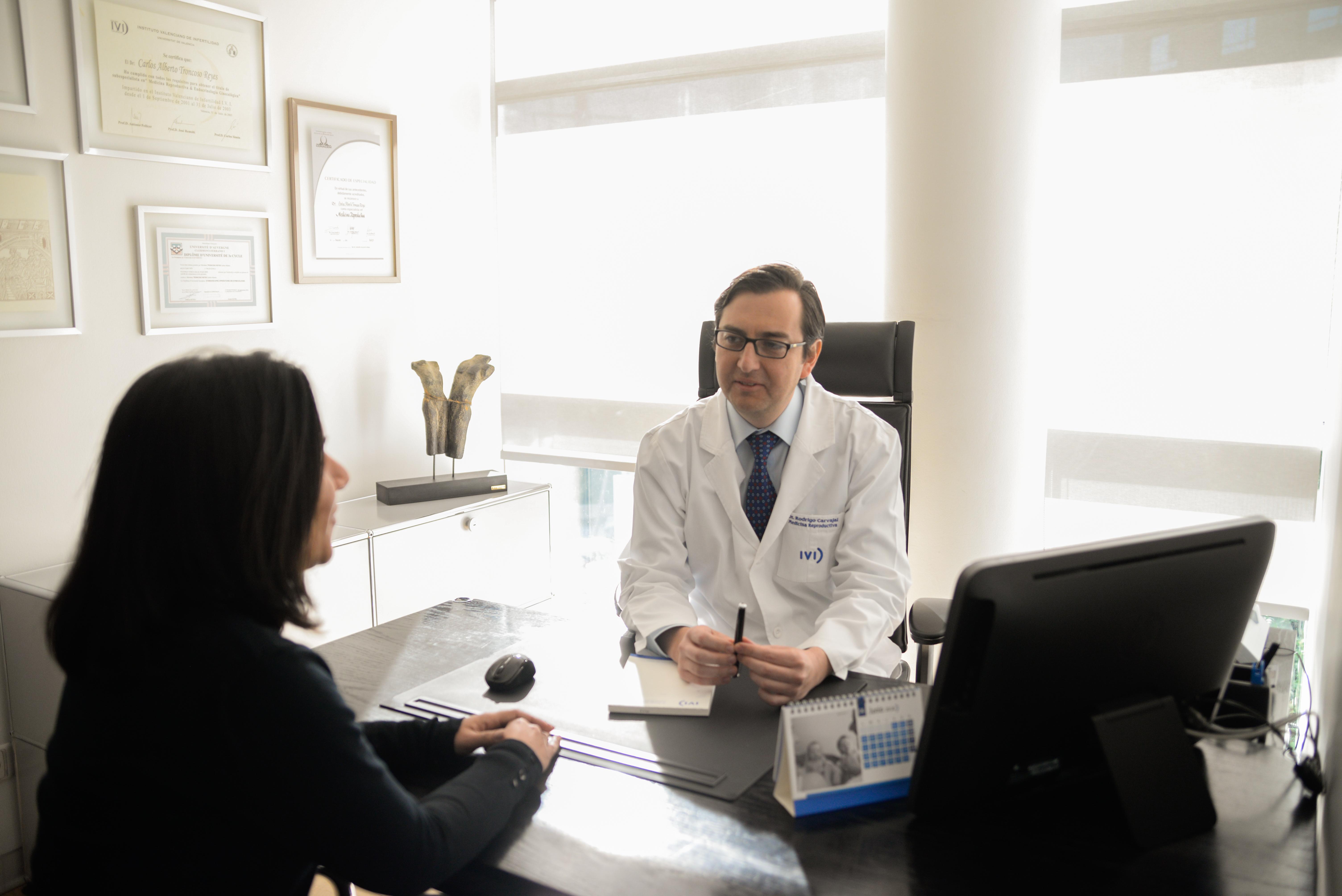 IVI Santiago sigue atendiendo a sus pacientes